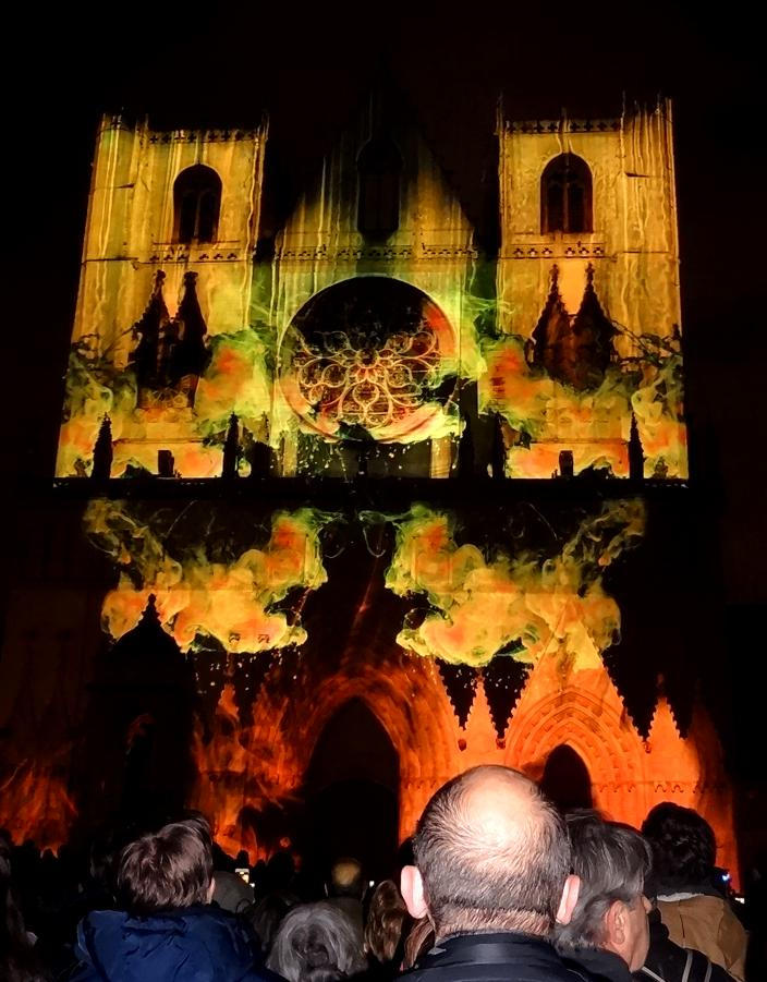 18 Fete Lumieres Cathedrale St Jean 95