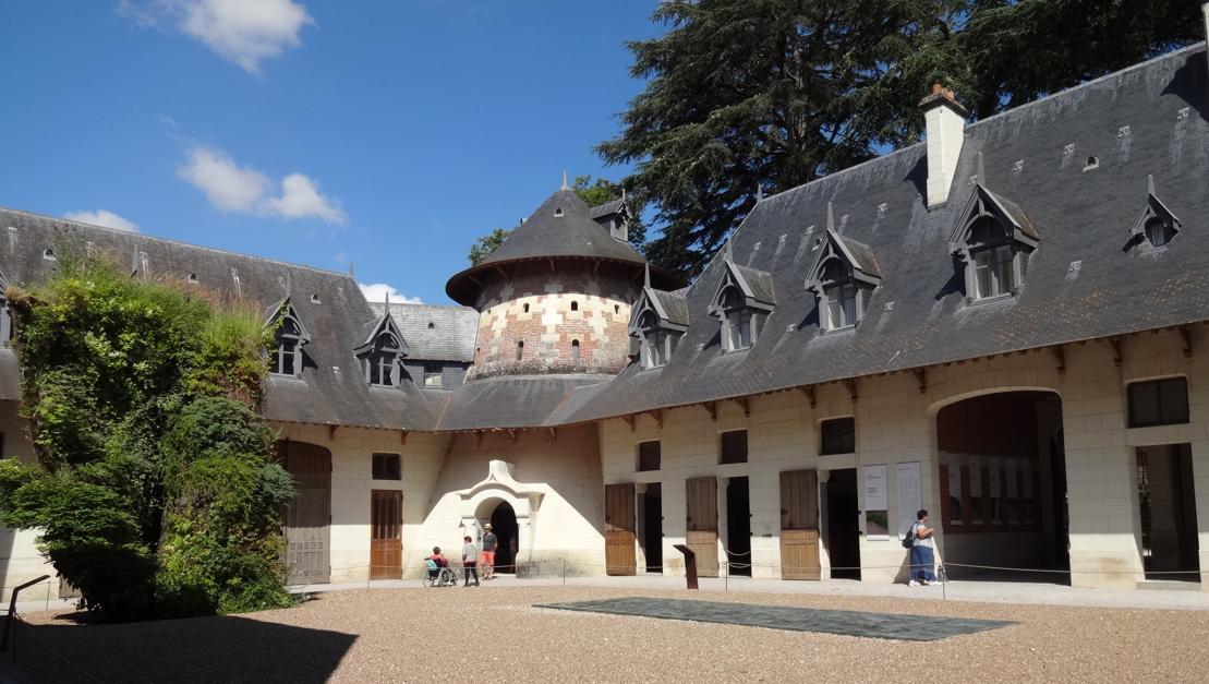 19 Chaumont sur Loire Ecurie Int 1