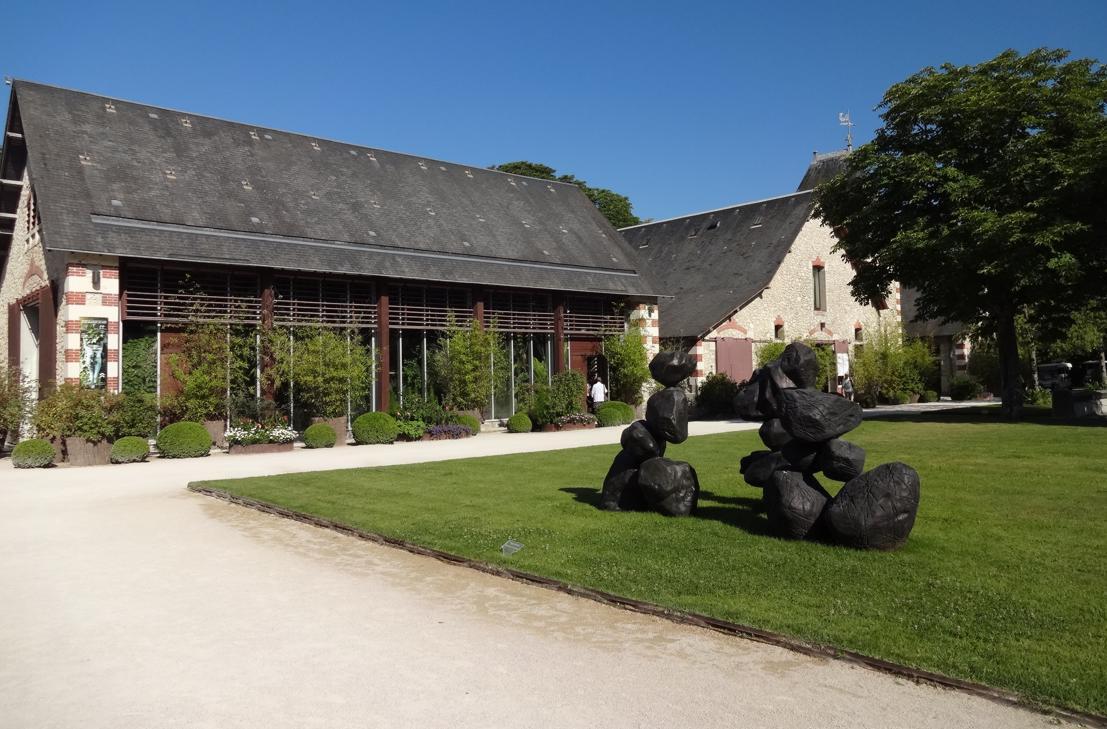 19 Chaumont sur Loire Entree Cour Int