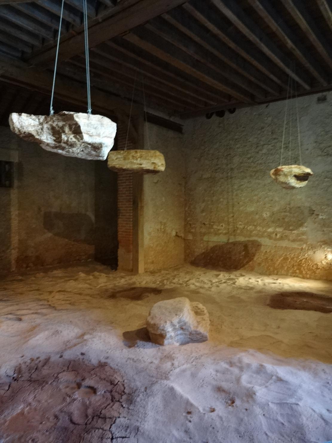 19 Chaumont sur Loire Pavillon Ouvre Pierres Suspendues