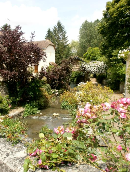 16 Village Chedigny Lavoir 1