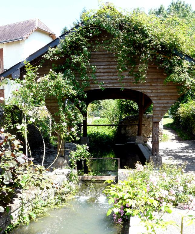 16 Village Chedigny Lavoir