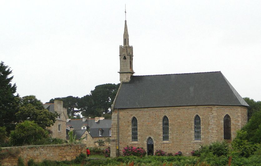 20 Ile Brehat Village Eglise