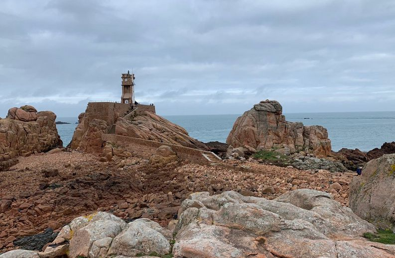 20 Phare du Paon Rochers