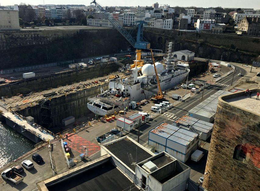 20 Brest Marine Nationale Chantier naval carenage