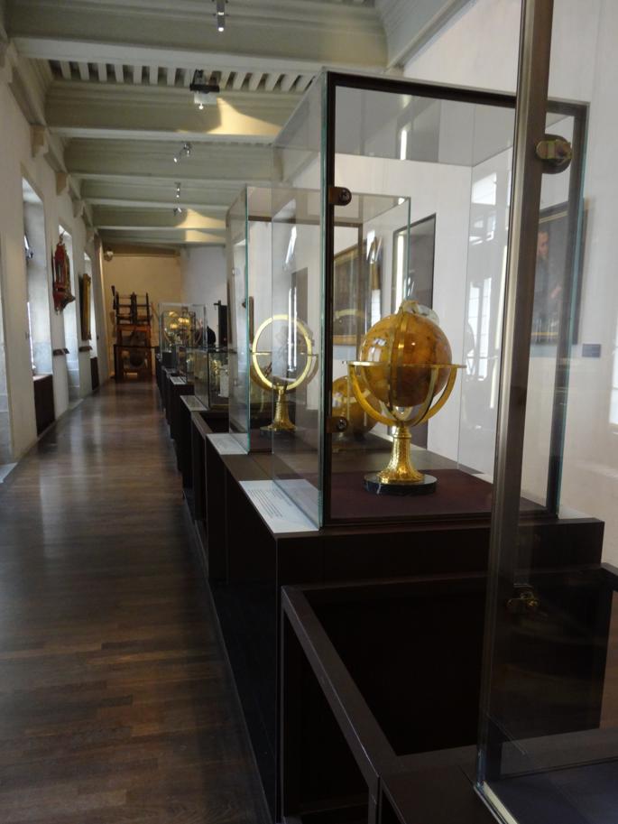 17 Besançon MuseeTemps Globes