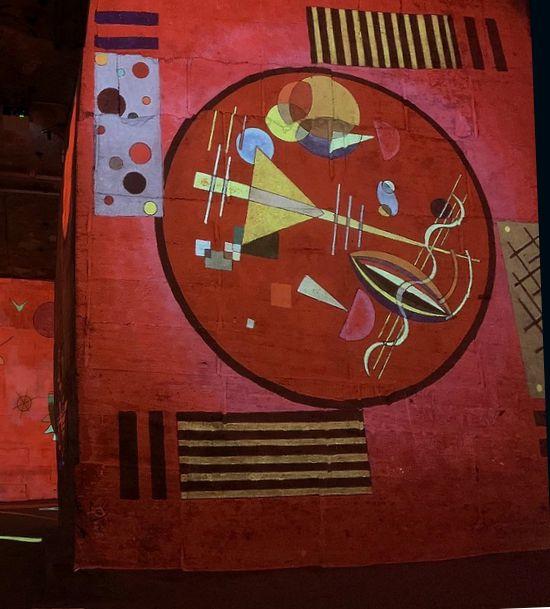 21 Carrieres de Lumieres Baux de Provence Expo Kandinski 2